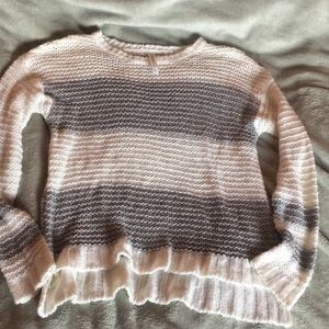 Long knitted with and grey sweater